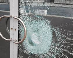 Safety glass: Tempered vs Laminated